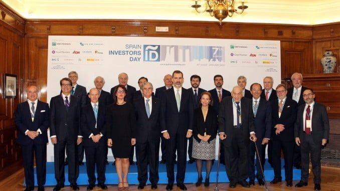 """El Rey junto a las autoridades participantes en la inauguración del """"Spain Investors Day"""""""