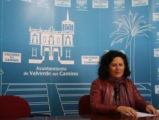 Lole Romero (PP), en rueda de prensa para explicar la moción sobre la ayuda a domicilio