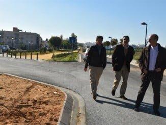 El alcalde de Lepe visita las obras de la Vía Verde