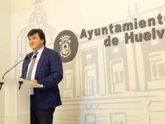 Gabriel Cruz pide a Fátima Báñez un plan de empleo con carácter extraordinario