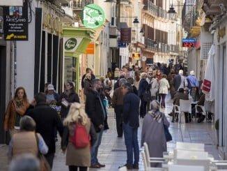 Las medidas fiscales van encaminadas a a poyar al pequeño comercio de Huelva y otros negocios