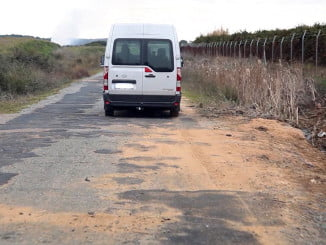 Los agricultores tienen serios problemas para transportar su mercancía por estos caminos