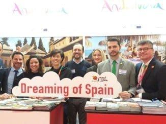 El mostrador del Destino Huelva estuvo atendido por personal técnico del Patronato de Turismo