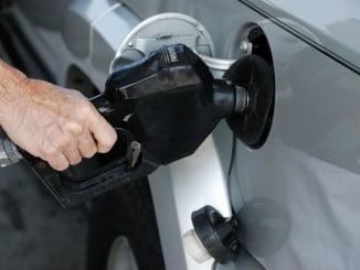 El transporte experimenta una subida de tres puntos por el encarecimiento de la gasolina