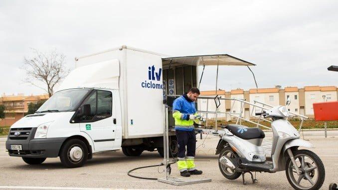 Los próximos 18 y 20 de enero, las ITV móviles estarán en Gibraleón y Aljaraque para facilitar la inspección de ciclomotores