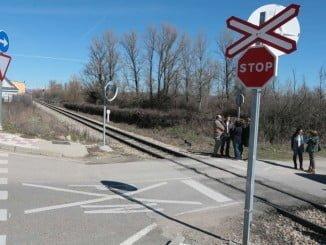 El accidente ha tenido lugar en un paso a nivel sin barreras