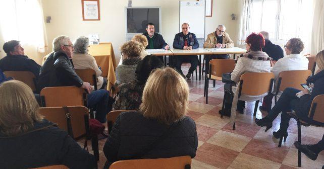 Parlamentarios socialistas mantienen un encuentro con mayores en Ayamonte