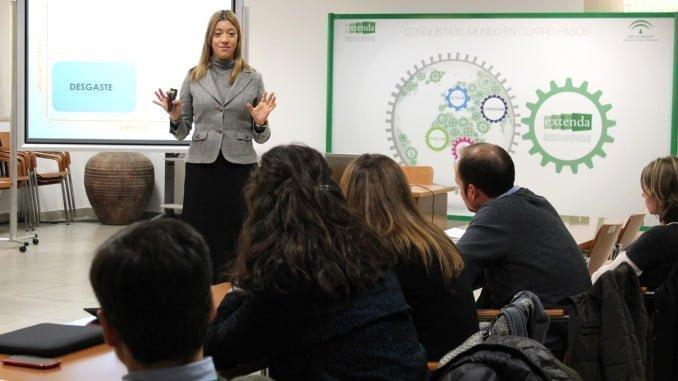 Taller 'Técnicas de Comunicación y Presentaciones Eficaces en el sector Biosanitario', que imparte Elena Gallardo en Sevilla y Granada