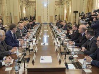 De la Serna se reunió con presidentes y directivos de las principales aerolíneas y con las asociaciones en las que se agrupan