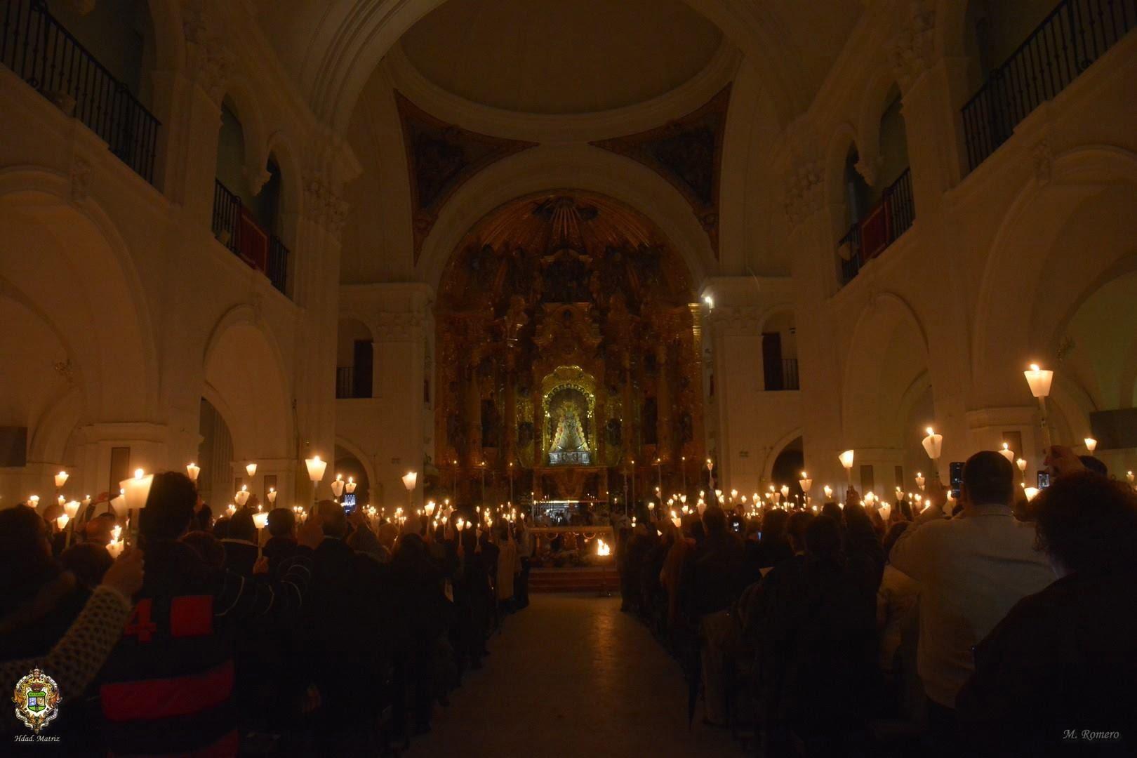 Aspecto del Santuario en la celebración de la vigilia eucarística-mariana.