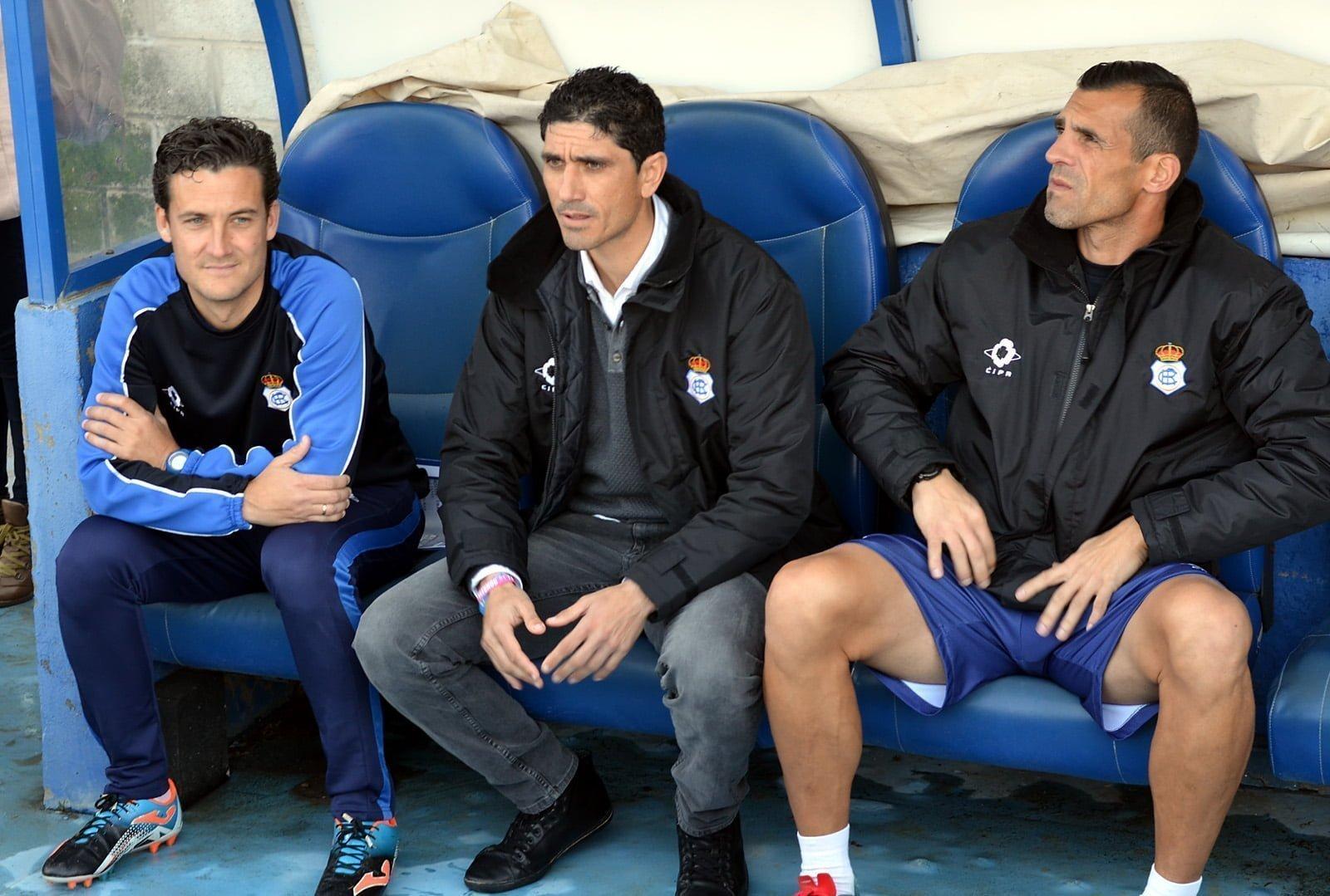 Primera vez que Pavón se sienta en el banquillo del Nuevo Colombino desde que se le nombrada entrenador del Recre.