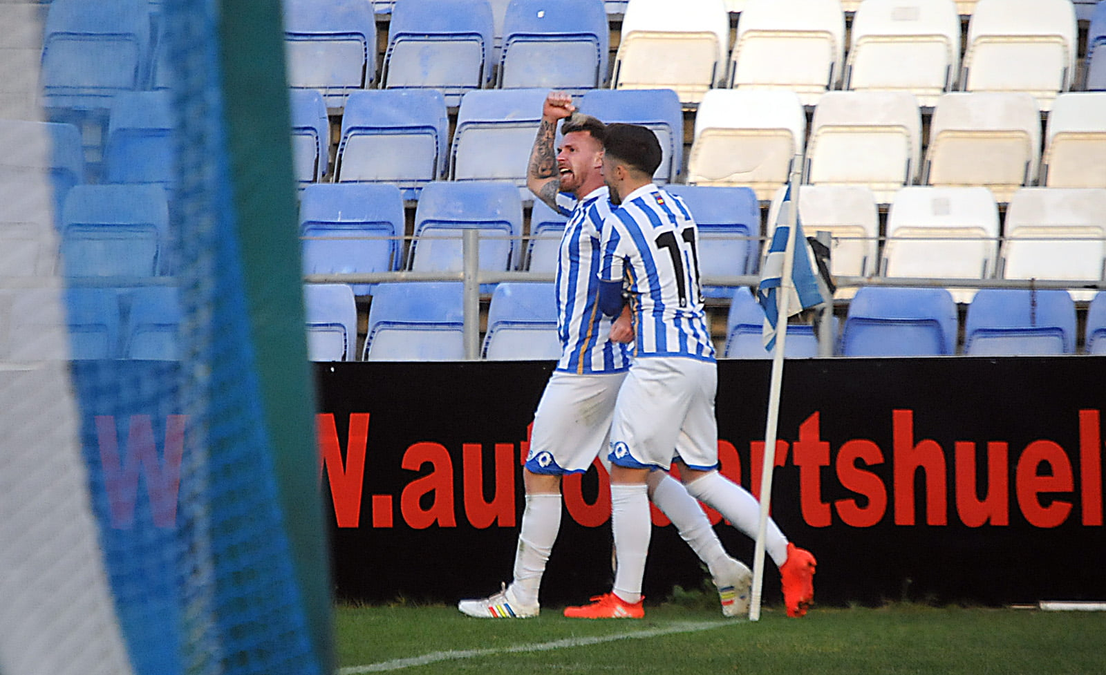 'Ya era hora', parece exclamar Iván Aguilar tras lograr el gol del triunfo.