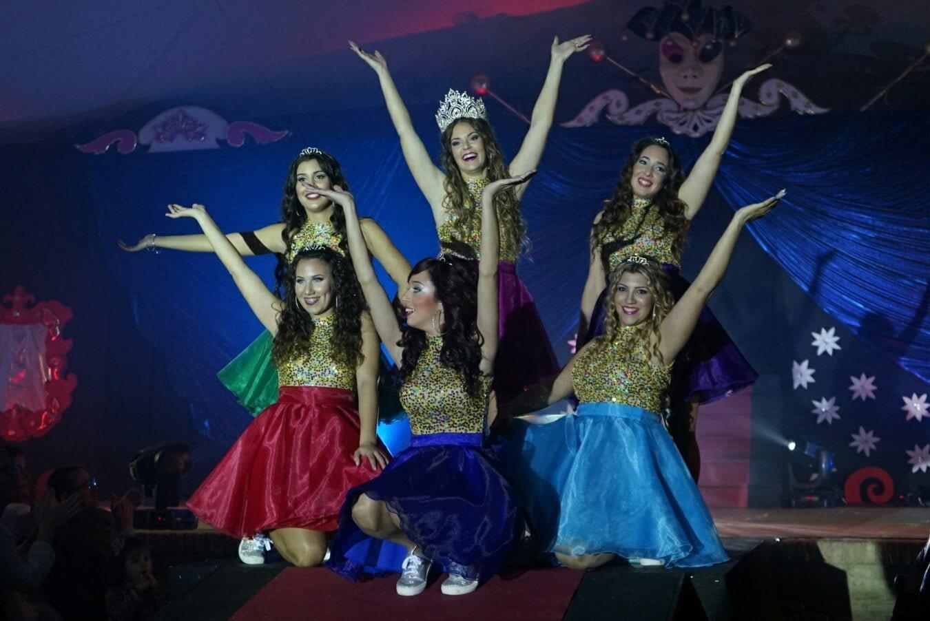 El espectáculo de la elección de reina juvenil fue bonito en Ayamonte.