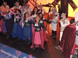 La actuación de la comparsa 'En un lugar del Quijote' dio la nota en la segunda semifinal.