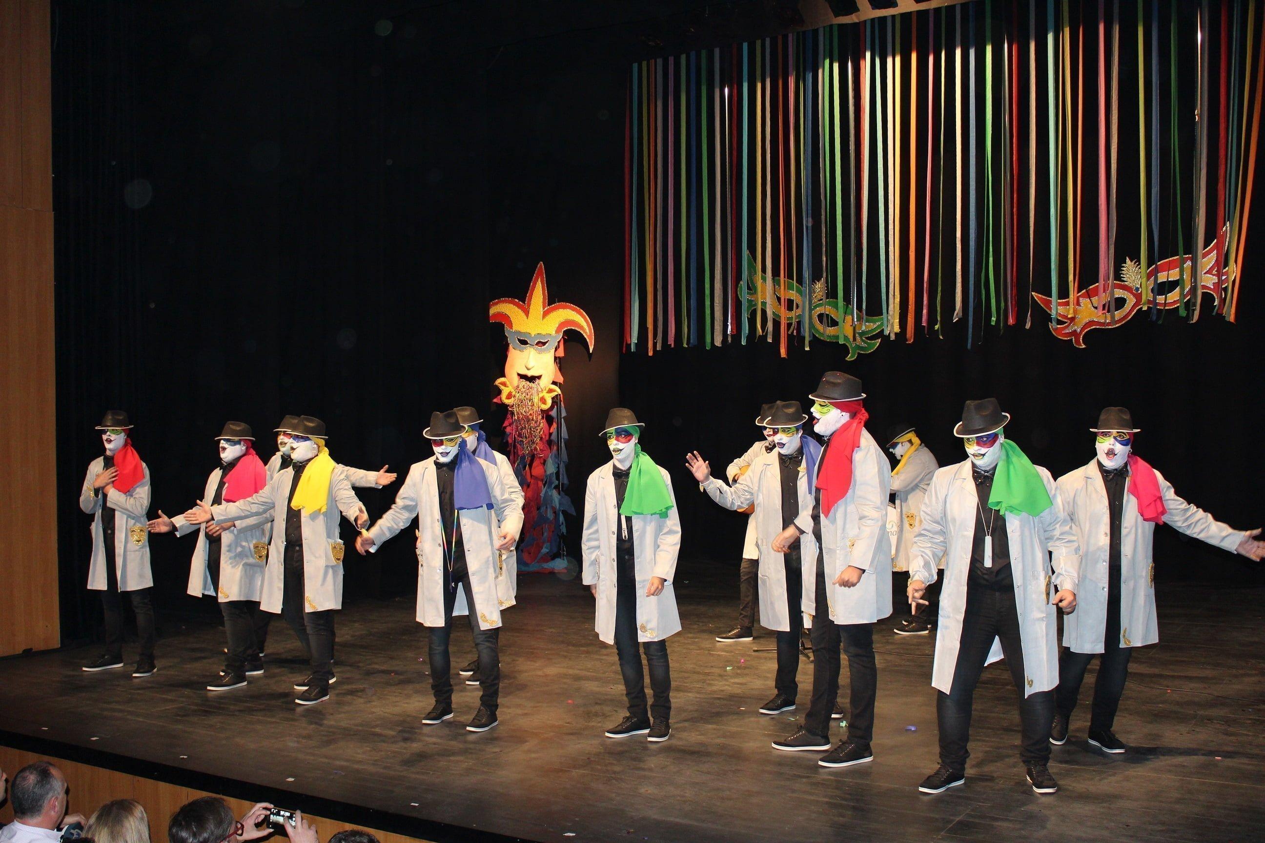 Actuación de la comparsa 'La Antología'.