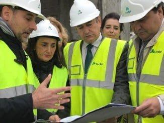El alcalde de Huelva, Gabriel Cruz, recibió todo tipo de explicaciones desde el Gobierno del PP de la marcha de las obras de la nueva estación.