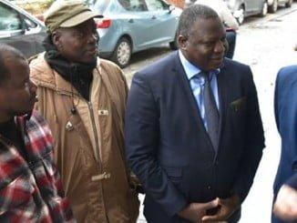 El embajador de Mali en España es recibido por el alcalde de Lepe.