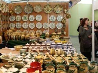 Durante este largo Puente de Andalucía cerámica, gastronomía y mucho más en la Feria de Artesanía de Aracena