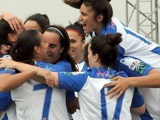 Haciendo dos goles, que celebraron con alegría, el triunfo no se pudo quedar en casa ante el líder.