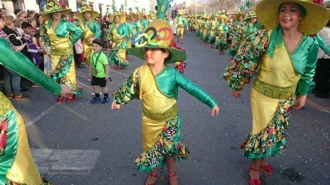 La espectacular gabalgata de disfraces ayer en Isla Cristina