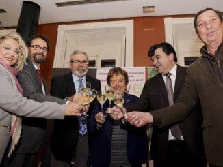 El alcalde y otras autoridades en la inauguración del CINVE 2017