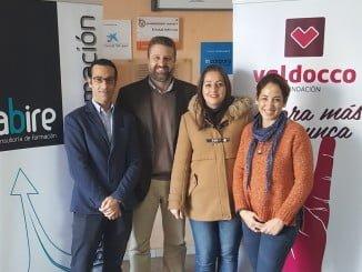 Responsables de Valdocco y Abire tras la firma del convenio