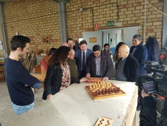 El delegado de Educación ha visitado la unidad educativa de Carpintería de la escuela-hogar Cristo Roto