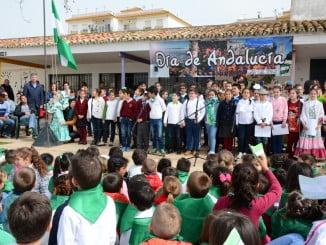 Palos de la Frontera celebró con sus escolares y con sus mayores el Día de Andalucía