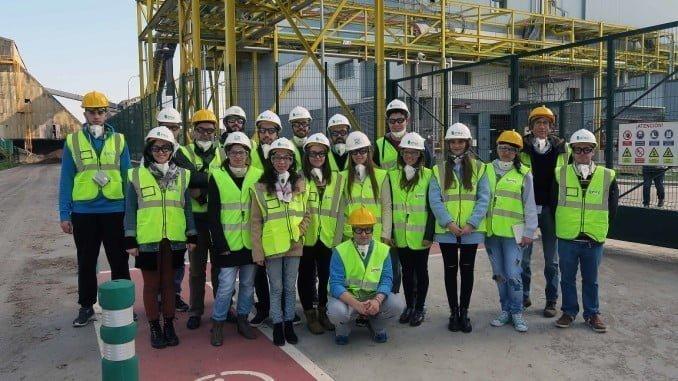 Estudiantes de Ciencias Ambientales visitan por primera vez la planta de ENCE