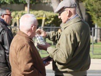 Se desvelara el misterio de las botellas con mensaje que estos días han aparecido por Huelva