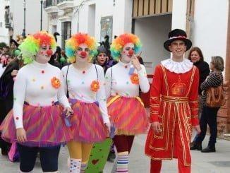 El Carnaval de la Palma llena de color las calles de la localidad