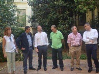 Técnicos durante la visita al Instituto La Rábida