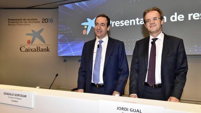 Jordi Gual, presidente de CaixaBank y Gonzalo Gortázar, consejero delegado de la entidad