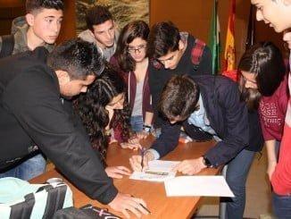 Alumnos participantes en la Olimpiada de Geología en la UHU