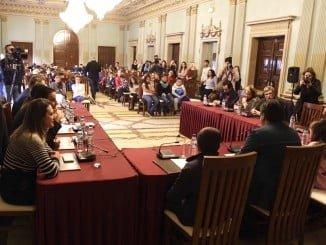 Un momento del pleno del Proyecto Ágora en el que han participado cien alumnos