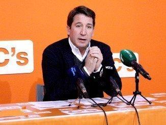Gallardo reclamará en el próximo pleno la disposición de parcelas para aparcamientos