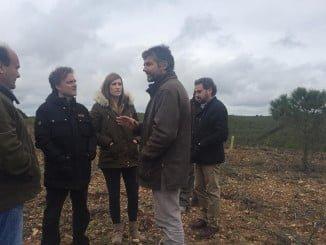 El consejero de Medio Ambiente visita la finca  'Las Contiendas', en Encinasola
