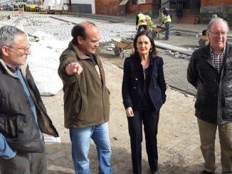 La subdelegada y el alcalde visitan las obras que se están ejecutando en el municipio