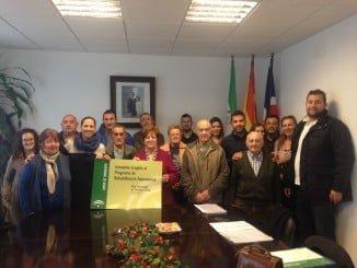 La delegada de Fomento y Vivienda, acompañada de la alcaldesa, ha entregado los proyectos