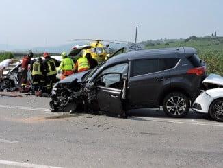 Imagen de un accidente de tráfico con dos vehículos implicados