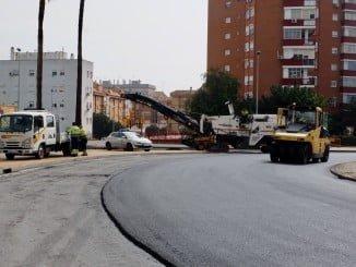 Obras de asfaltado en la Avenida de Andalucía