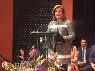 Fátima Báñez ha recibido el título de Hija Adoptiva de Lepe, en el Día de Andalucía