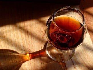 Desaparecen de la cesta artículos como el brandy, la videocámara o el DVD grabable y se incorporan otros como el café monodosis