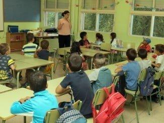 Zarza confirma el mantenimiento de las unidades educativas en los centros sostenidos con fondos públicos