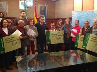 La delegada de Fomento y Vivienda y el alcalde han entregado los proyectos