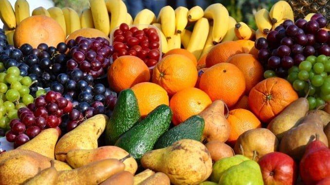 El proyecto 'Matsa saludable' distribuye fruta gratuita entre los empleados de la empresa