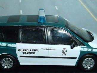 La Guardia Civil ha localizado al vehículo y lo han detenido a la altura del kilómetro 72  de la A-49