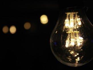 Los ingresos han aumentado un 9%, pero los costes de la compra de electricidad y los costes del consumo de combustibles en las centrales térmicas se han incrementado de manera significativa, lo que ha dado lugar a una reducción del margen bruto