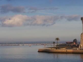 Con motivo del Día de Andalucía se abre al público el monumento a Colón, además de los faros
