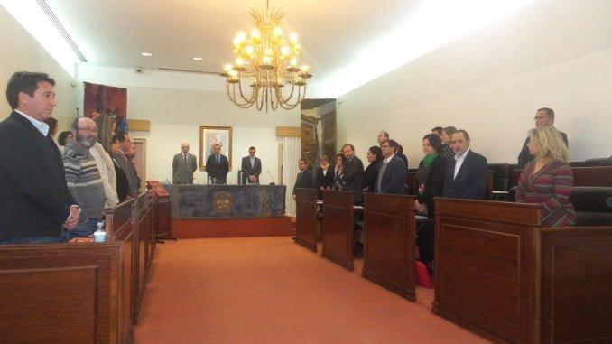 El Pleno ha guardado un minuto de silencio por el fallecimiento de Pilar Pulgar